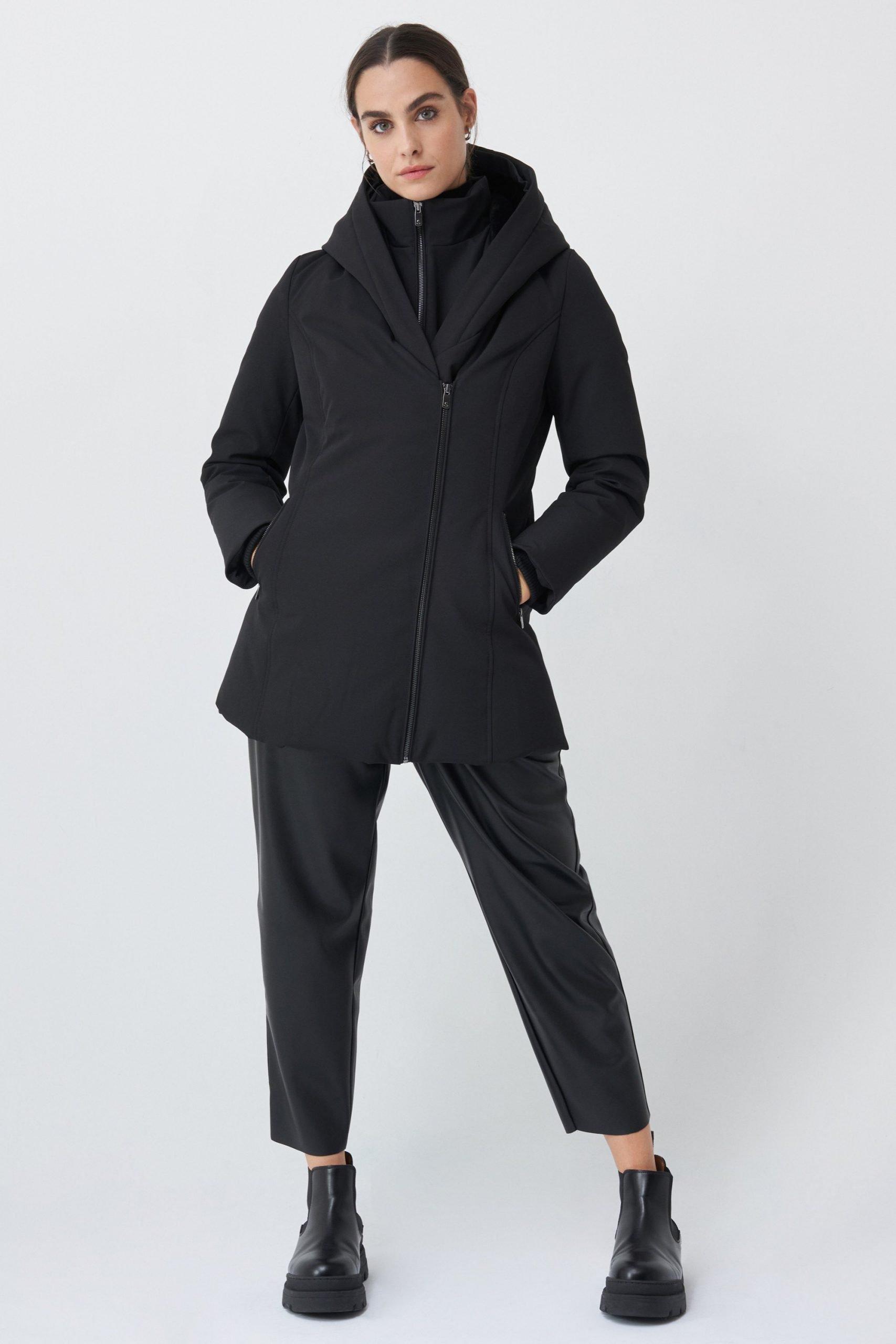 PERFECT BLACK COAT